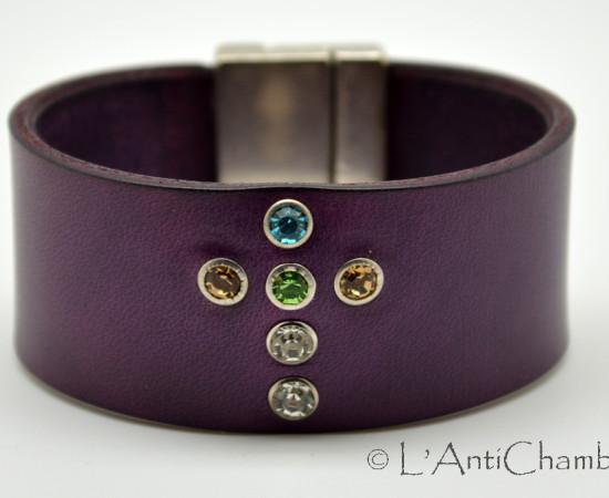 Bracelet-cuir-violet-croix-strass 1